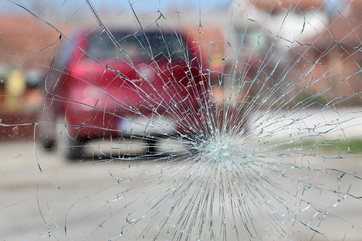 To Repair or Replace Your Auto Glass: This is the Question